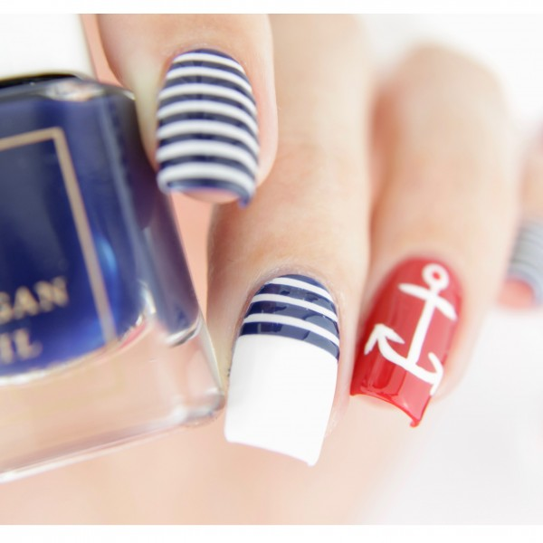 Nautical-Nail-Art-BLOG